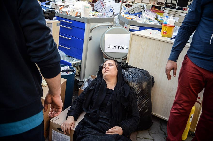 FOTO: DHA-İHA - GAZİOSMANPAŞA'DA BULUNAN TAKSİM İLK YARDIM HASTANESINDE YANGIN ÇIKTI