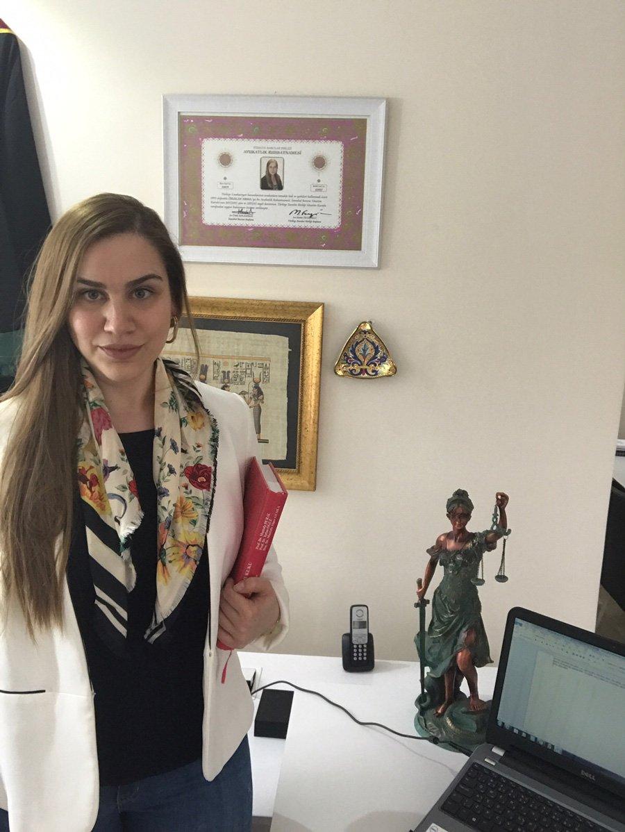 FOTO:SÖZCÜ - Boşanma davaları konusunda uzman olan Avukat Özgecan Sırma, çarpıcı tespitlerde bulundu.