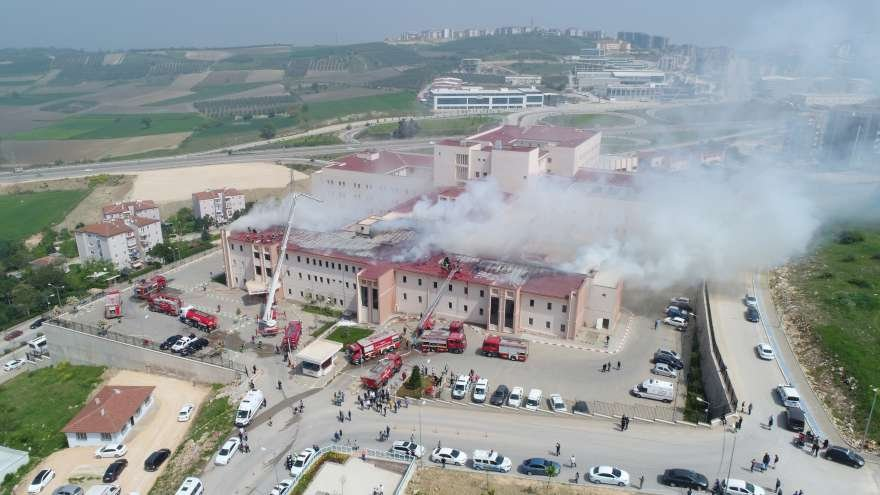 bursa-yangin-hastane-foto-iha-2