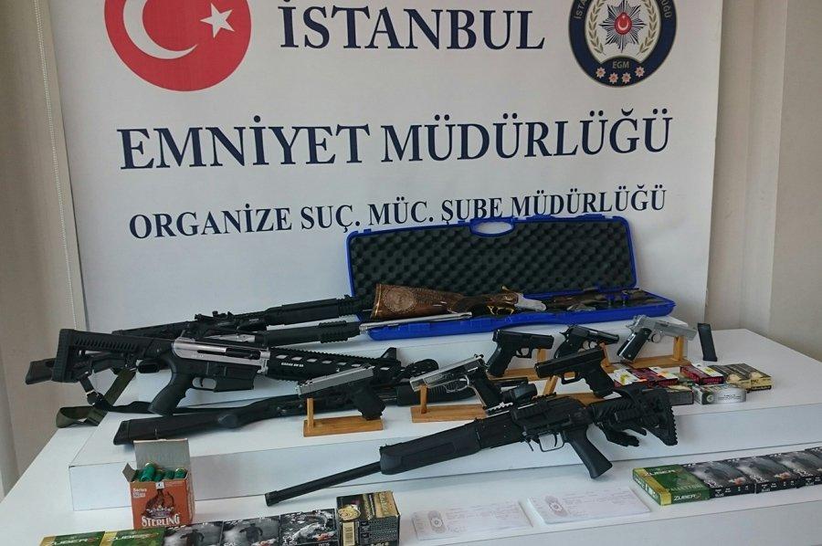 FOTO:SÖZCÜ - Çeteden işte bu silahlar çıktı.