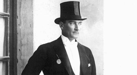 Atatürk ve dans