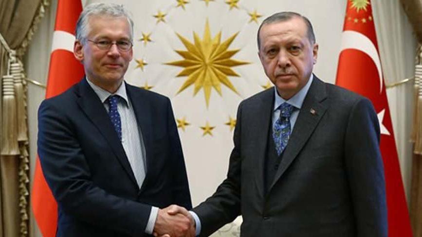 Philips CEO'su Houten Cumhurbaşkanlığı sarayında