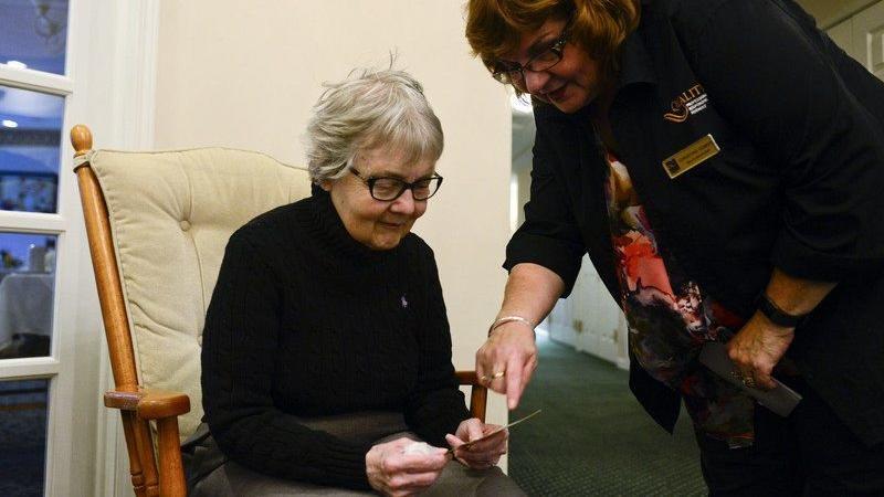 Eline 60 yıl sonra ulaştı, göndereni öğrenince şoke oldu!