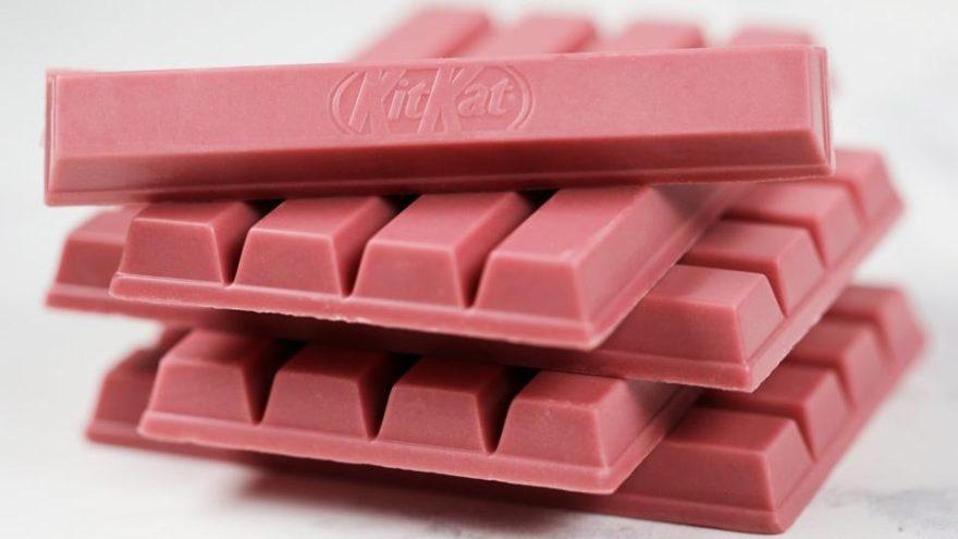 Dünya devinden pembe renkli çikolata