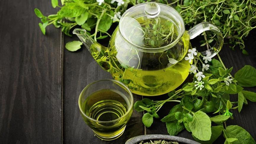 Her sabah kahve yerine yeşil çay içti! 6 günde bakın ne oldu?