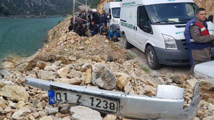 4 kişinin olduğu otomobil baraja uçtu ihbarı