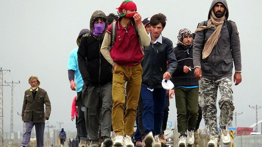 Afgan göçmenler akın akın Türkiye'ye geliyor... Sayıları neden bir anda arttı?