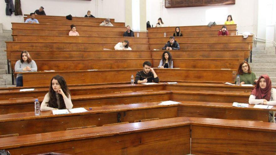 Lise Geçiş Sınavı'na (LGS) girecek öğrencileri meraklandıran kimlik konusu! Yeni kimlik şart mı?
