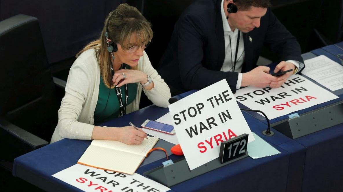 Avrupa Parlamentosu'ndan Macron'a tepki