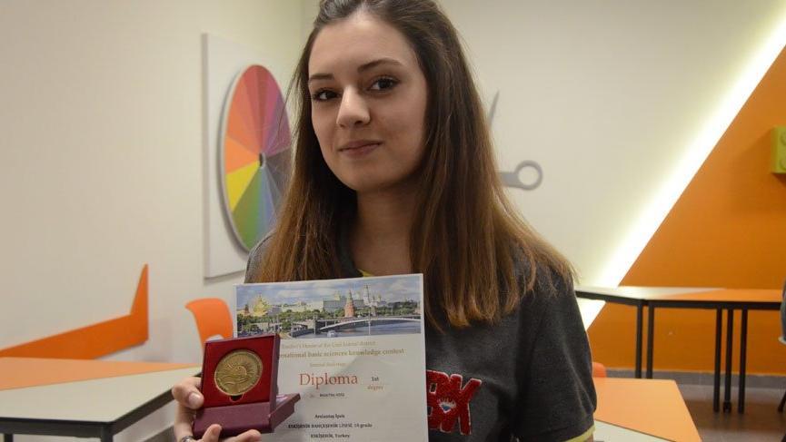 İpek Arslantaş matematikte dünya şampiyonu