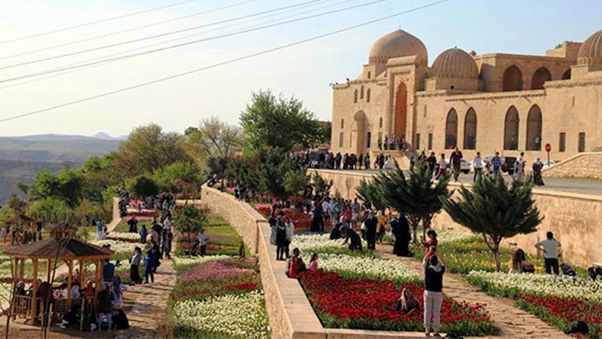 Mardin'de oteller doldu; turistler evlere yönlendiriliyor