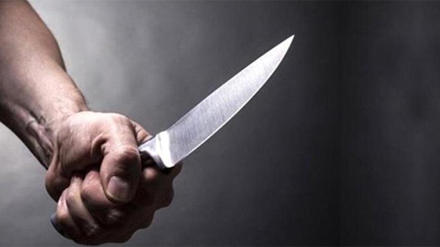 Eve alkollü gelmesine tepki gösteren eşini, oğlunu ve kayınpederini bıçakladı