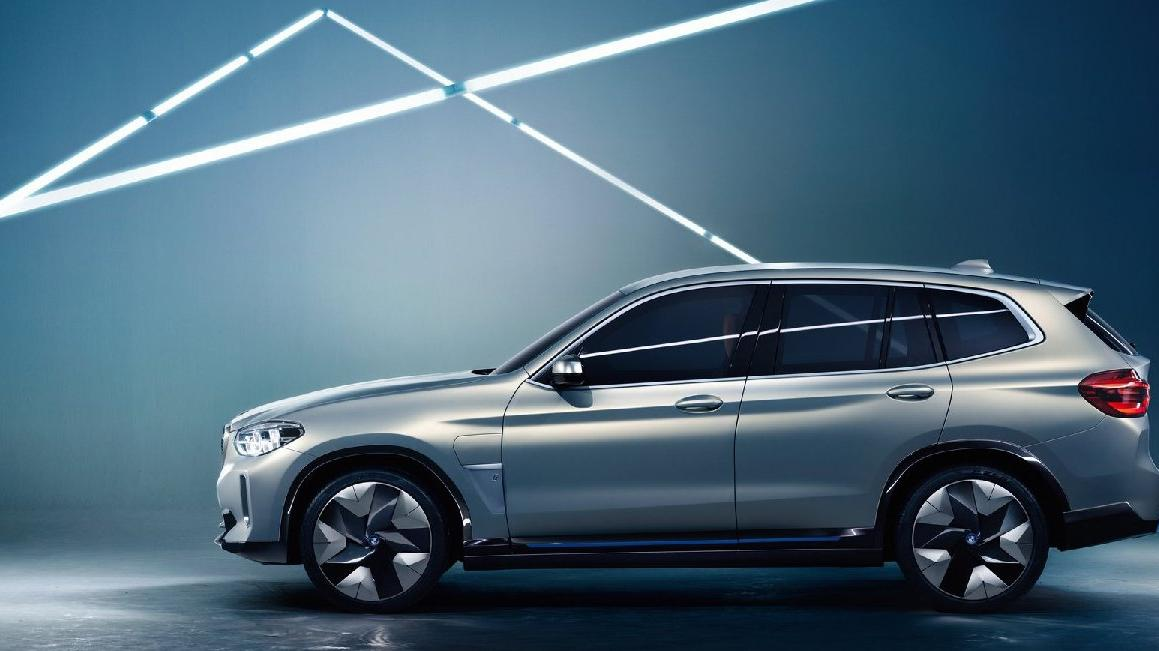 Yeni nesil elektrikli BMW'lerin ilk örneği : iX3