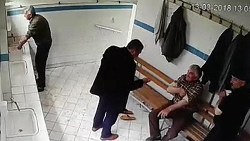 Pişman oldu camide çaldığı parayı iade etti!