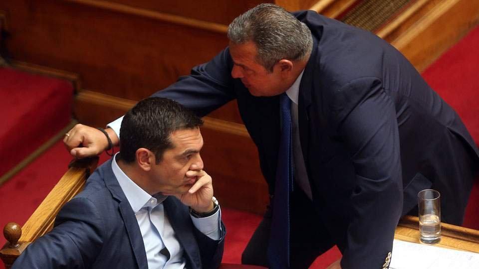Küstah Yunan Bakan'a Çipras ayarı