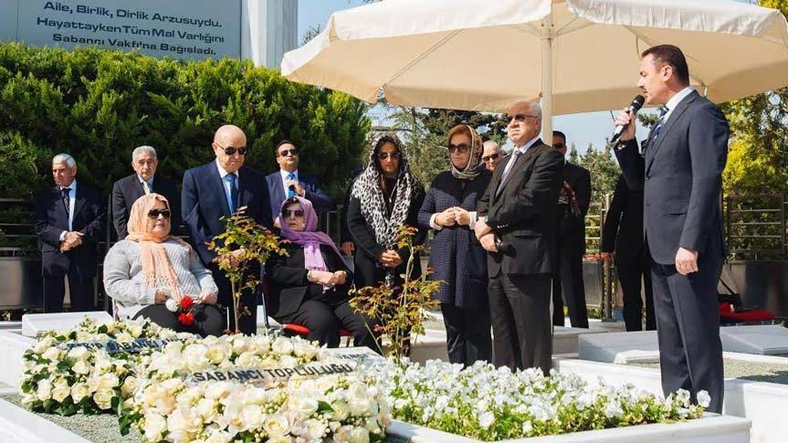 Sakıp Sabancı vefatının 14. yıldönümünde kabri başında anıldı