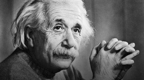 Nobel Fizik Ödülü sahibi Alman teorik fizikçi Albert Einstein kimdir? Einstein dünyada en çok tanınan bilim adamıydı...