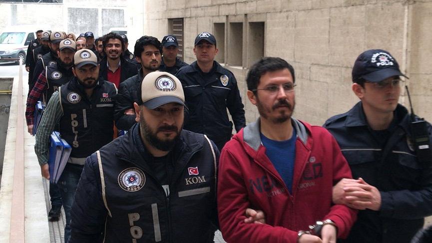 FETÖ'den aranan 14 kişi gaybubet evinde yakalandı