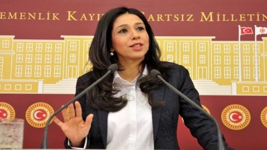 Gülay Yedekci Meclis Başkanı Kahraman'ı protesto ederek Genel Kurul'u terk etti