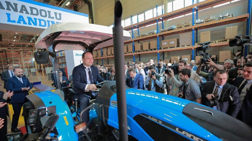 Anadolu Grubu yerli üretim yatırımlarına 'traktörle' devam ediyor!
