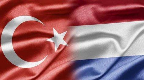Hollanda'dan skandal açıklama: Türkiye'ye giderken telefonunuzun içini boşaltın