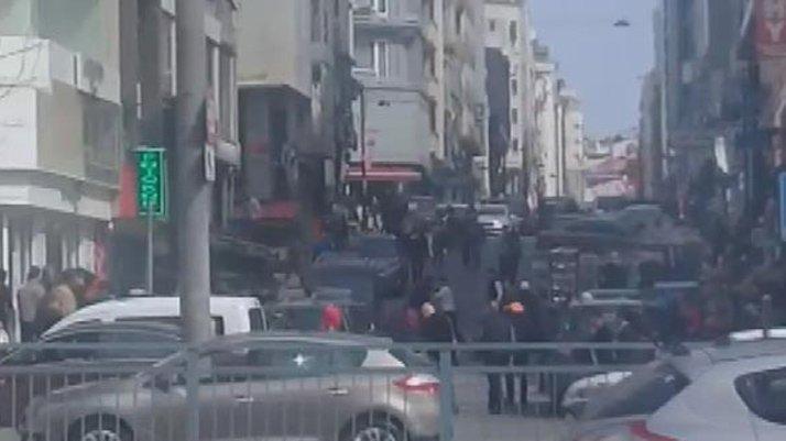 Fatih'te vatandaşlardan kapkaççıya meydan dayağı