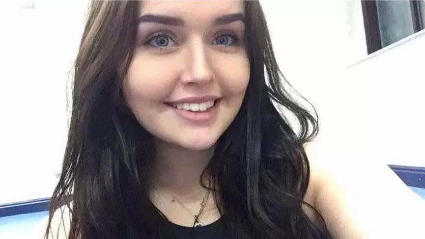 Erkek arkadaşına kızdı başka bir erkekle beraber olduğu fotoğrafları yanlışlıkla sevgilisine gönderdi