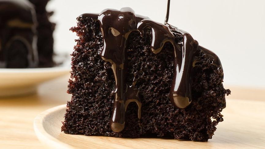 Çayın yanında bir başka, ıslak kek tarifi ve kalorisi! Pastane usulü çikolatalı ıslak kek tarifi…