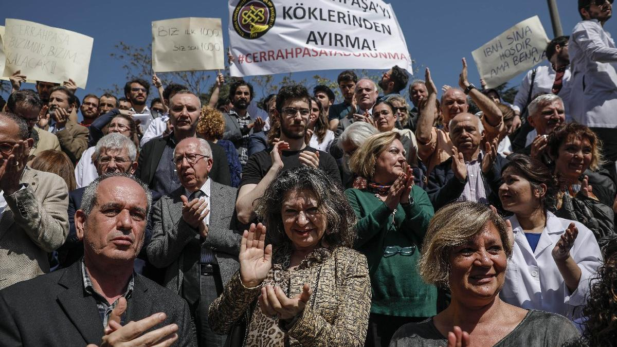 Cerrahpaşa Tıp'ta 'Bölünme' protestosu