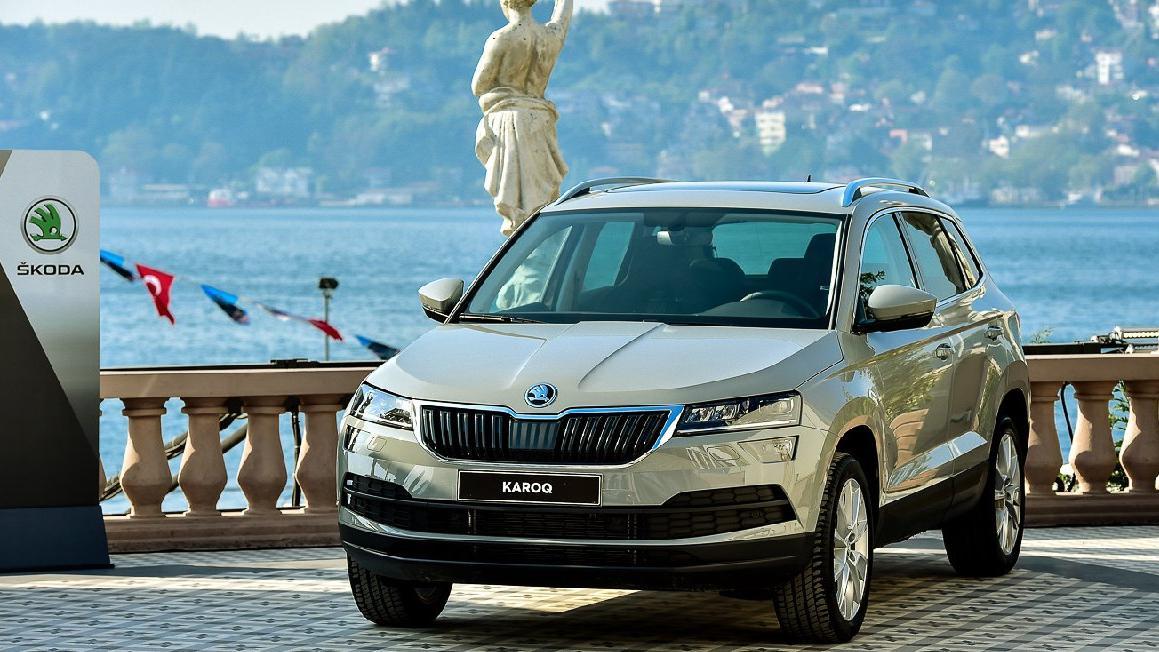 Skoda'nın yeni kompakt SUV modeli : Karoq!