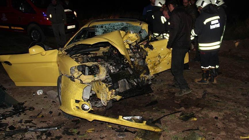 Konya'da iki otomobil çarpıştı: 3 ölü, 2 yaralı