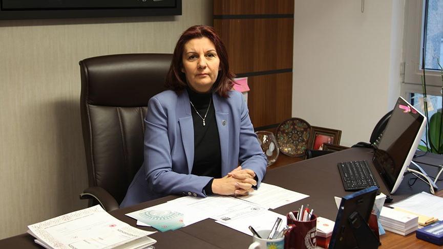 CHP'li Lale Karabıyık: MEB'in sitesi başbakanı yalanlıyor