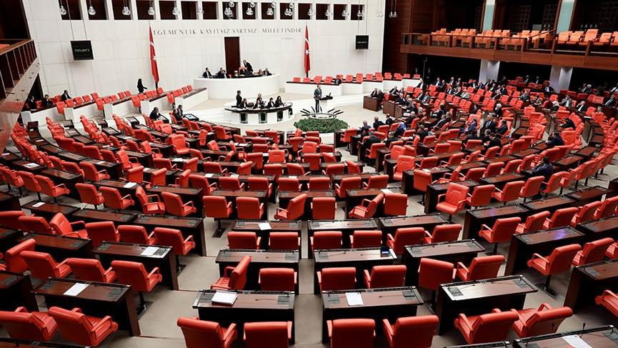 AKP Meclis'te muhalefetin sesini kıstı!