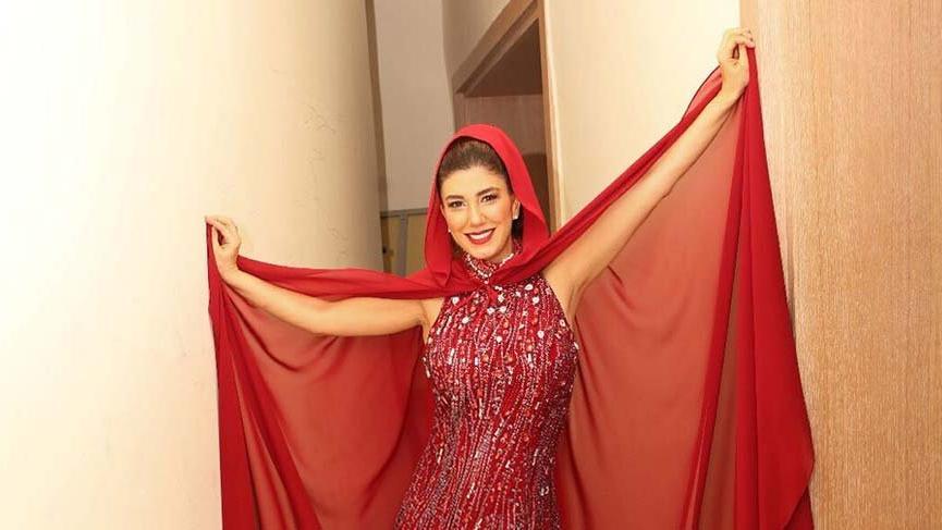 Sekiz aylık hamile Nadide Sultan herkesin ortasında…
