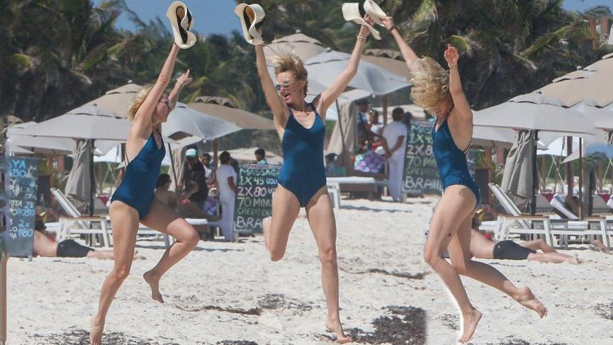 Naomi Watts enerjik halleri ve fit vücuduyla dikkat çekti