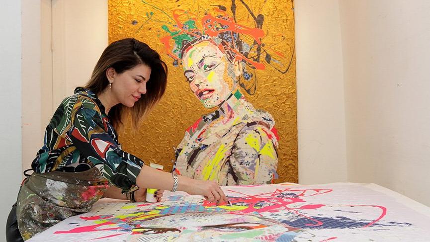 Tuvalleri kadar kullandığı malzemeleriyle de yaratıcı olan Pınar Dupre ile pop art rüzgarı esmeye başlayacak