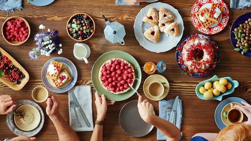 Az malzeme ve kısa zamanda yapılacak 3 tatlı tarifi ve kalorisi | Pratik tatlı tarifleri