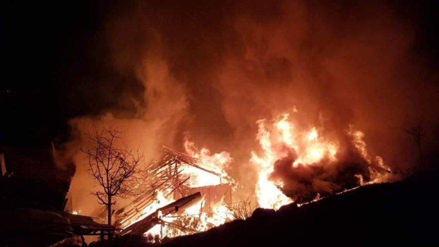 Kastamonu'da korkutan yangın! 2 yaralı