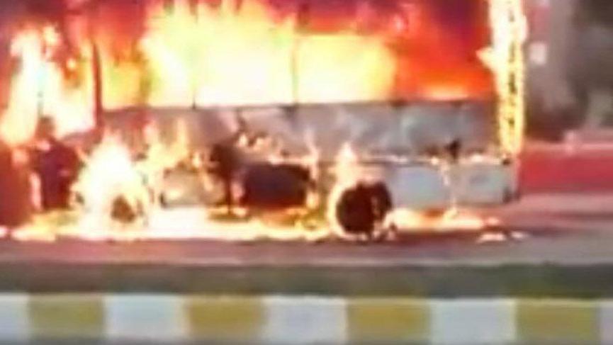 Yolcu otobüsü yandı, şoförün dikkati olası bir faciayı önledi