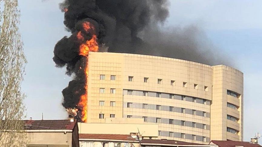 Son dakika haberi...Taksim İlk Yardım'da korkunç yangın! Hastane alev alev yandı