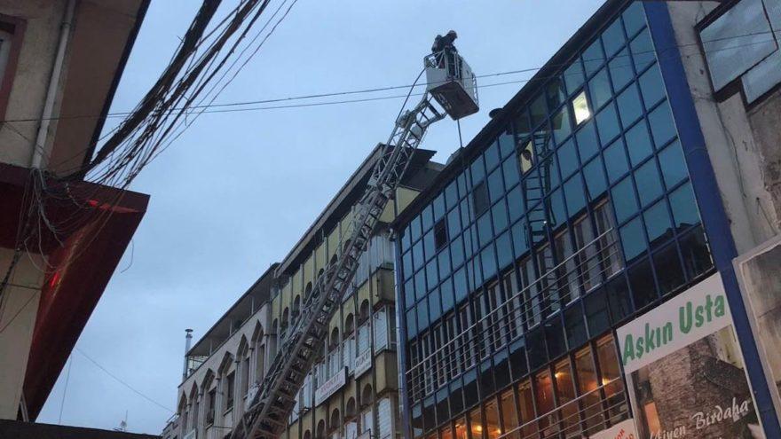 Sakarya'da çatı yangını korkuttu