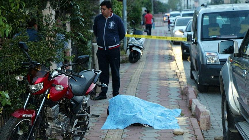 Antalya'da baba ve oğul silahlı saldırıya uğradı