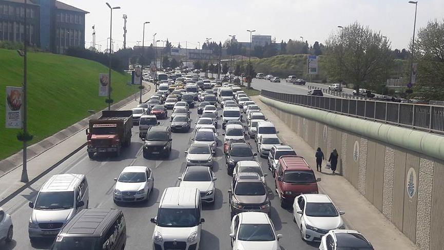 CNR'da düzenlenen 5 farklı fuar trafiği kilitledi