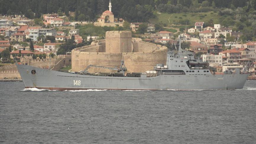 Gemi dolusu askeri araçla Suriye'ye gidiyor
