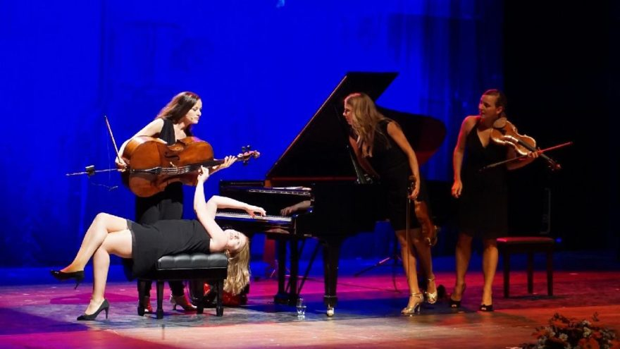 Salut Salon Quartet'ten Mersin'de sıra dışı performans