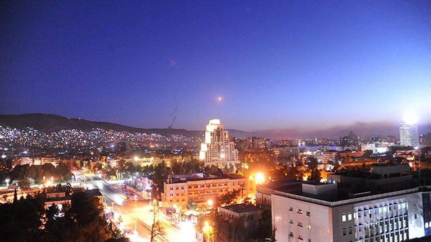 Saldırı sırasında Şam... İşte ilk görüntüler!