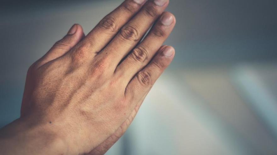 Yeterince su içmiyorsanız vücudunuz size bu 8 sinyali veriyor