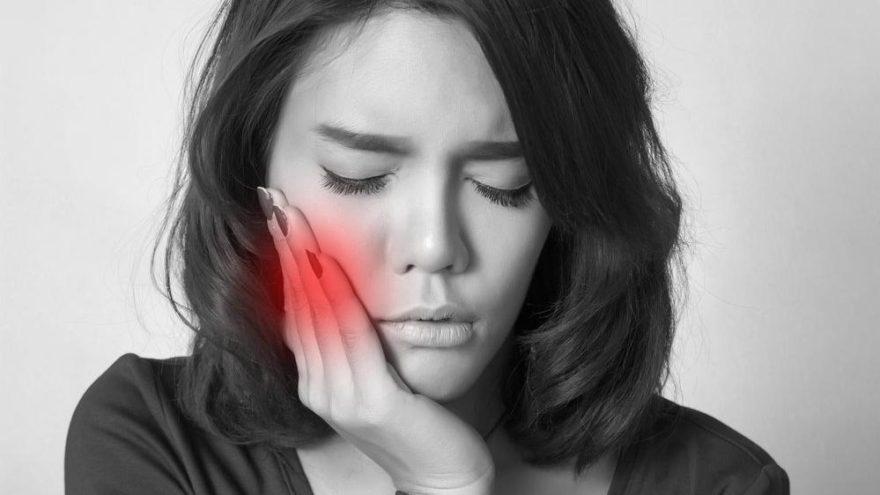 Diş eti hastalıklarının 7 sebebi