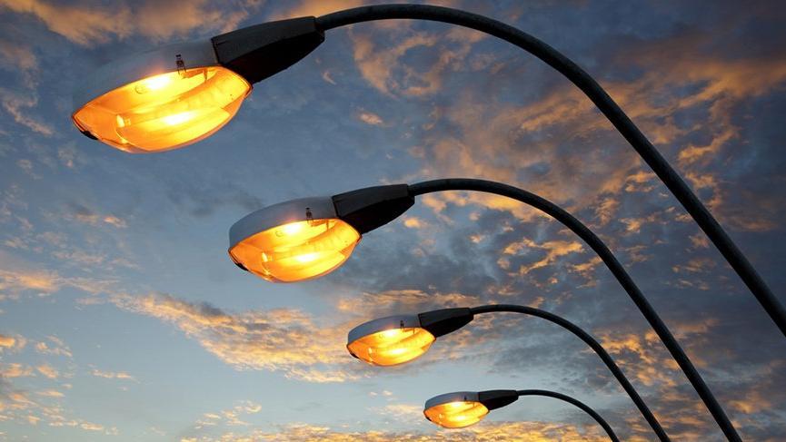 Sokak lambalarından internete girilecek! Dev şehri sevdiren haberler…