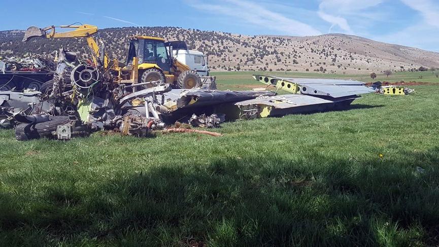 Isparta'da düşen askeri uçağın enkazı gömüldü